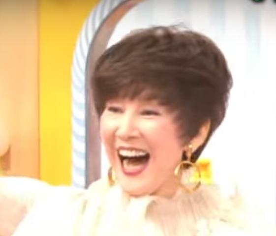 楠田枝里子は現在69歳で髪型はカツラ?若い頃の画像と比較!