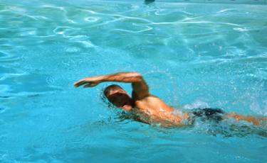 国後島から北海道まで20キロ泳げる?ロシア人亡命の理由は軍人?
